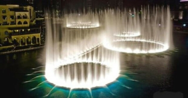 Dubajská fontána k písni Whitney Houston. Taková krása je dechberoucí
