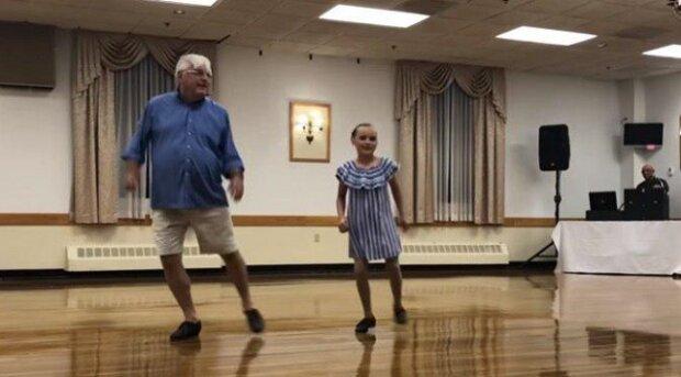 10-letá dívenka vyšla se svým 72-letým dědou na parket. Podívejte se, co dokáží spolu v duetu