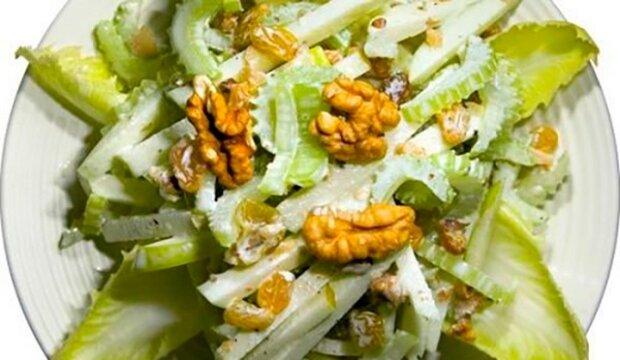 Celerový salát! Zdravý a velmi jednoduchý na přípravu
