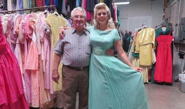 Manžel jí koupil 55 tisíc šatů v průběhu jejich 56-letého manželství