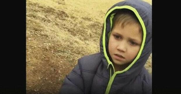 Chlapec neustále hledal svého zmizelého psa. Máma zachytila okamžik jejich setkání