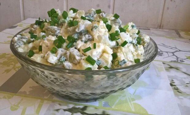 Věřte tomu, že chutnější salát jste ještě neměli. Tohle je zaručeně ten nejlepší recept na bramborový salát