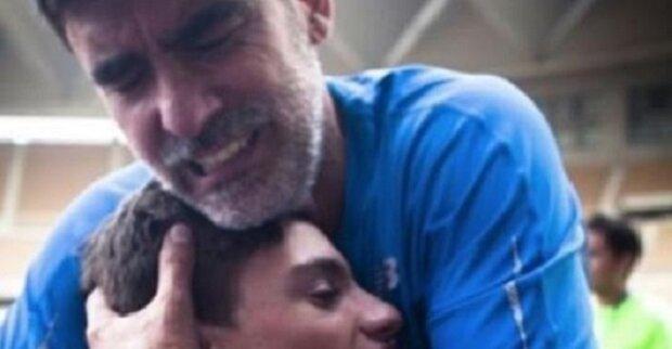 Jeho syn se narodil mrtvý. O 15 let později muž nemůže zadržet slzy. To je opravdový zázrak