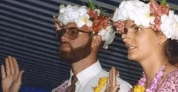 Příběh manželského páru, který se ztratil na moři v roce 1998