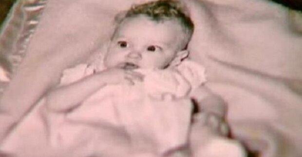V roce 1955 našel v lese odložené novorozeně. O 58 let později mu řekl policista něco neuvěřitelného
