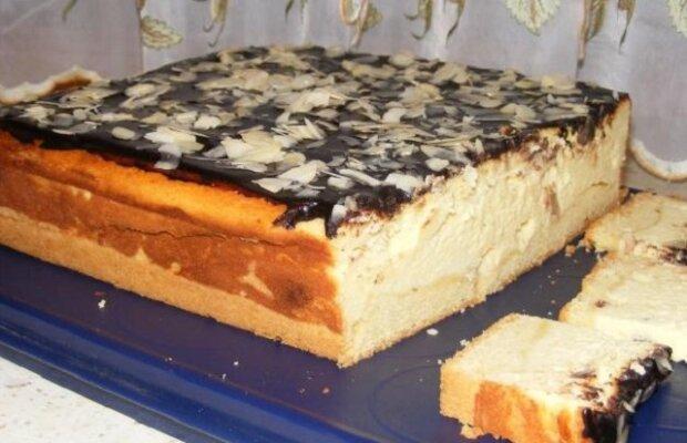 Tvarohový dort! Velmi nadýchaný, měkký a rozplývá se na jazyku