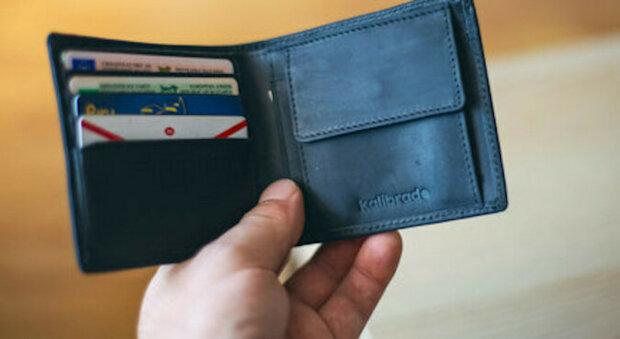 Chlapec z chudé rodiny vrátil ztracenou peněženku. A to mu změnilo život