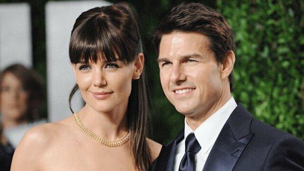 """""""Velmi podobná otci"""": Jak nyní vypadá dospělá dcera Toma Cruise a Katie Holmes?"""