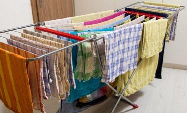 Nebezpečí, které je málokomu známo. Proč nesušit oblečení doma?