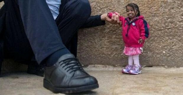 Nejvyšší muž a nejmenší žena na světě se konečně setkali